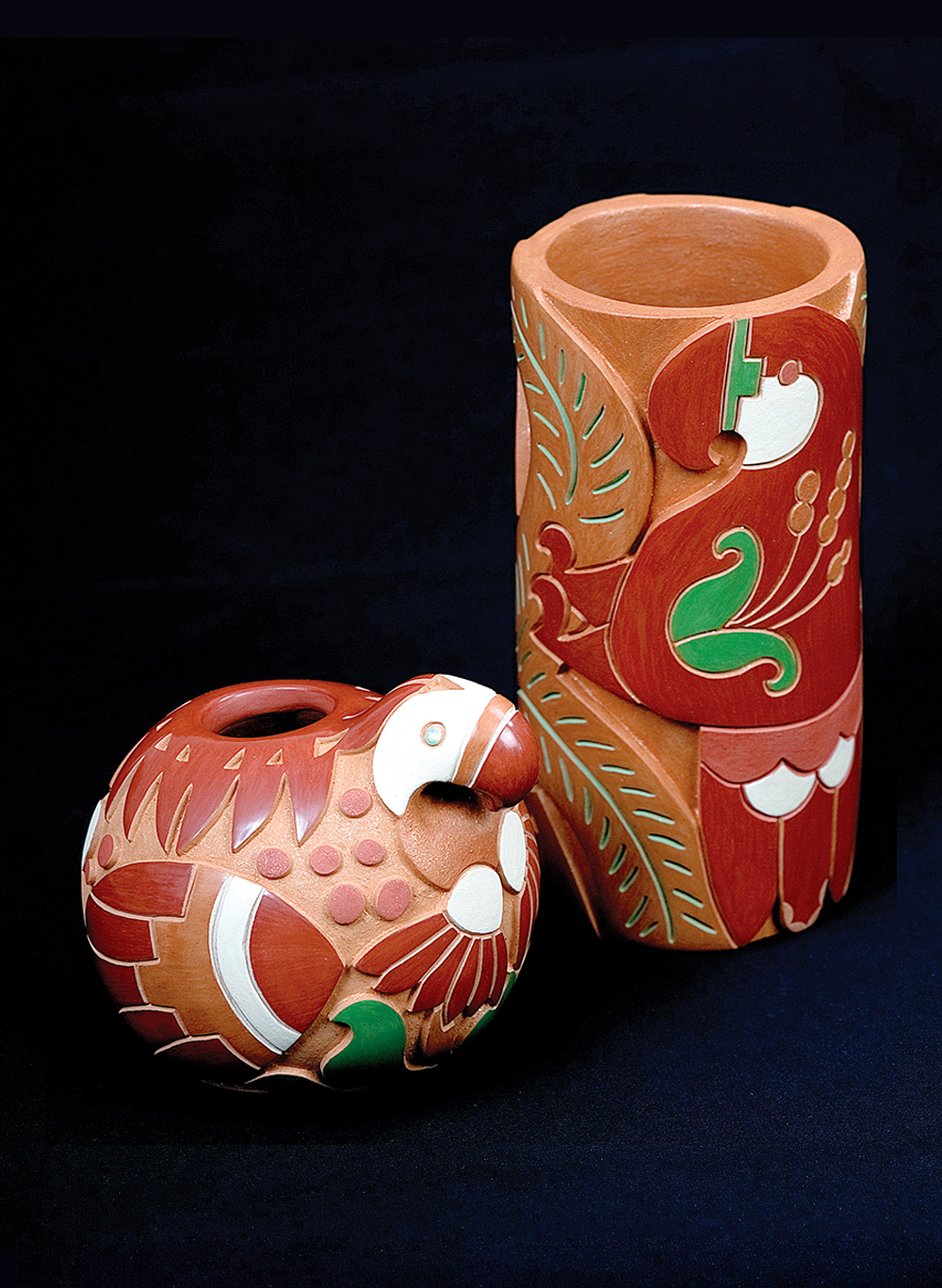 clay-vase-and-parrot